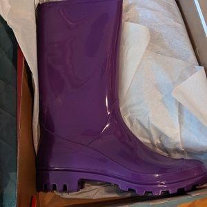 Ladies rain boots size 11-12